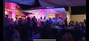 Außenbereich in Partystimmung
